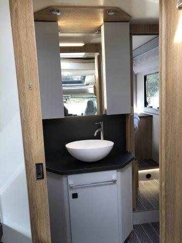 Campervan-hire-stunning-bathroom